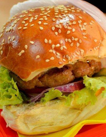 Hamburguer e Hot Dog Gourmet que você RESPEITA!